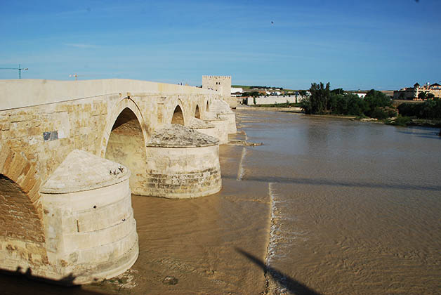 Puente de Córdoba en Andalucía. Foto © Patrick Mreyen