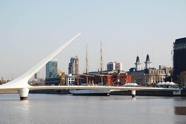 Puente de la Mujer en Puerto Madero, Buenos Aires, Argentina. Foto © Patrick Mreyen