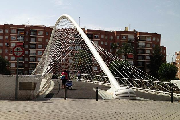 El controversial Puente de Vistabella en Murcia. Foto © Patrick Mreyen