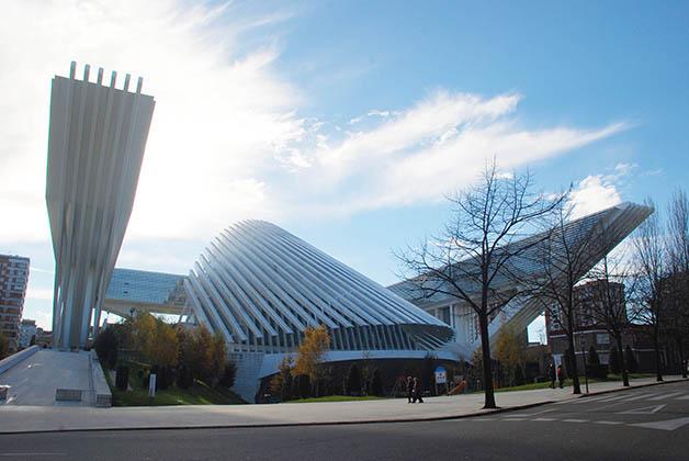 Palacio de Congresos de Oviedo, Asturias. Foto © Patrick Mreyen