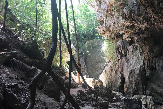 Cueva de las Golondrinas. Foto © Silvia Lucero