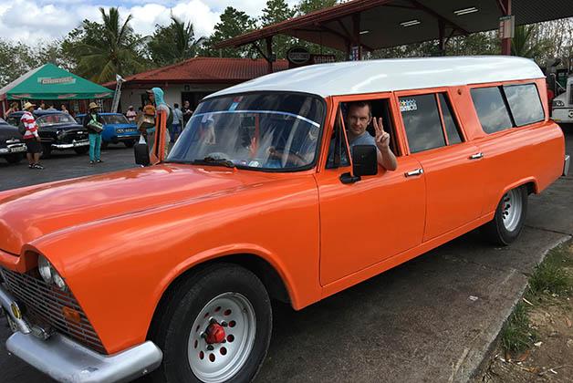 El taxi colectivo que nos llevó de La Habana a Viñales. Foto © Silvia Lucero