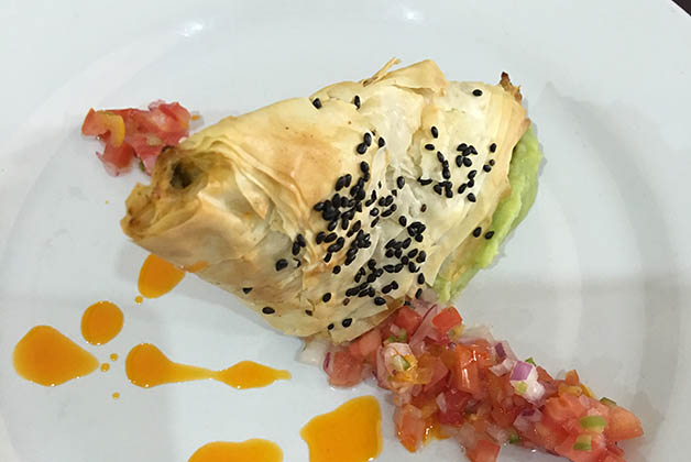 Burek a la mexicana, creación de los estudiantes del IGES para el restaurante. Foto © Patrick Mreyen