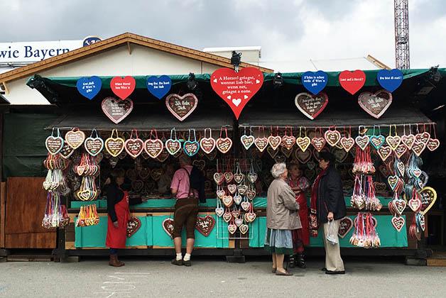 Las tradicionales galletas de corazón. Foto © Silvia Lucero