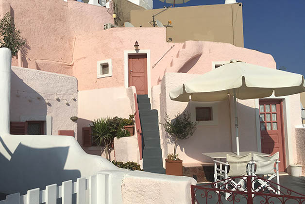 También encuentras algunas casas pintadas en colores pastel. Foto © Silvia Lucero