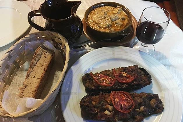 Cena a la albanesa. Foto © Silvia Lucero