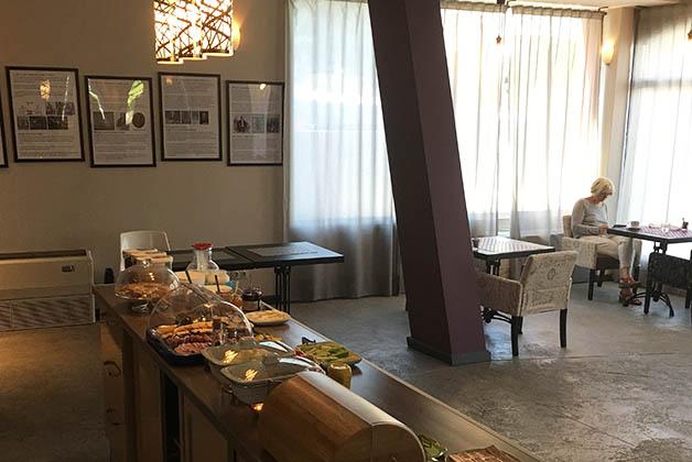 Restaurante donde se sirve el desayuno. Fpto © Silvia Lucero