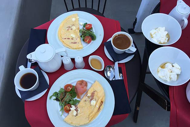 Nuestro delicioso desayuno. Foto © Silvia Lucero
