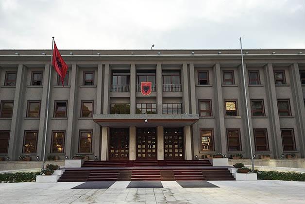 Presidencia de Albania. Foto © Patrick Mreyen