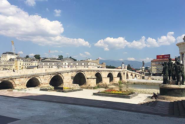 Puente Anitguo. Foto © Silvia Lucero