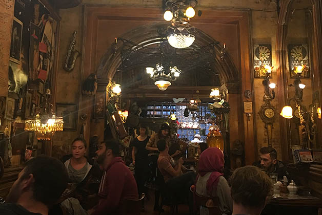 Bar Zlatna Ribica. Foto © Patrick Mreyen