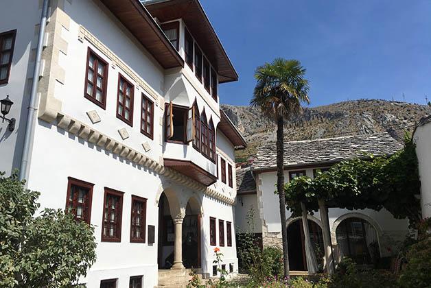 El bello exterior de la casa. Foto © Silvia Lucero