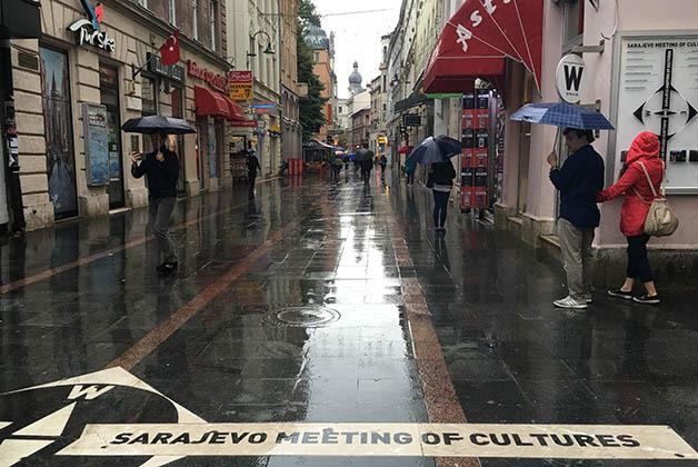 Hay un punto en el piso en el que para u lado ves la influencia turca y en el otro la influencia de Europa occidental. Foto © Silvia Lucero