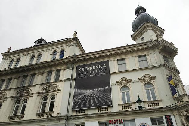 La Exhibición de Sbrenica fue de lo más interesante que vimos en Sarajevo. Foto © Patrick Mreyen