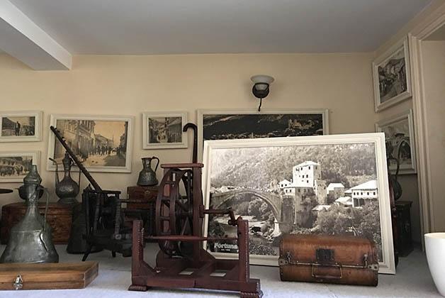 Exhibición de antigüedades. Foto © Silvia Lucero