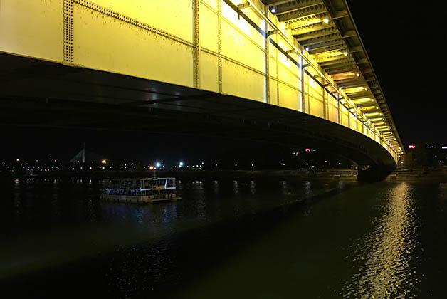Puente en el río Sava. Foto © Patrick Mreyen